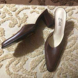 Italian Designer Leather Heels by Eviva Size 8